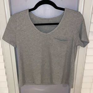 Woman's Forever 21 Grey Short Sleeve V-Neck Top M